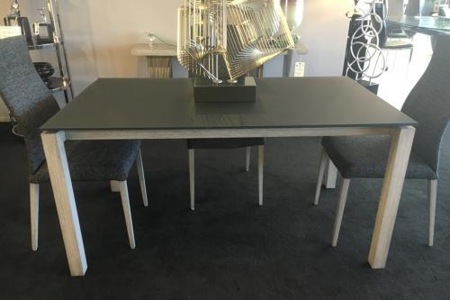New! Dining Table With Frosted Glass Top