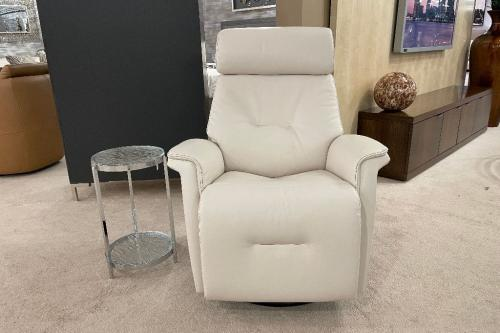 New! Swivel-Glider-Power Recliner With 3 Motors