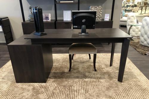 Expandable Wood Desk